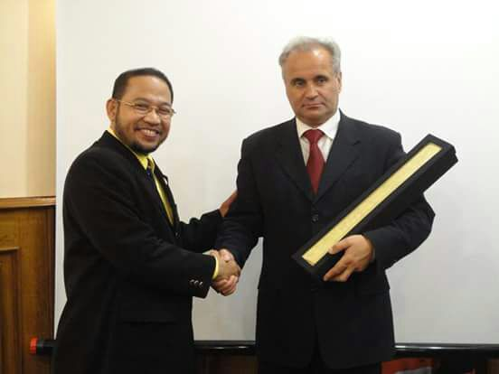 Presiden Dunia HE Mr Djuyoto Suntani Mendirikan World Leaders Consultants Institute