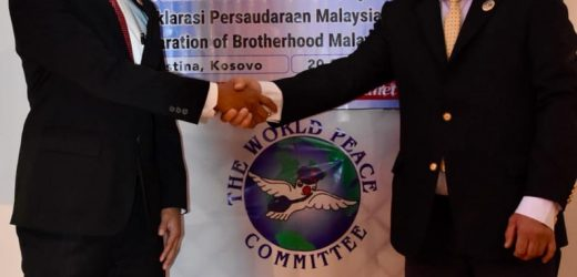 President of the World Mr. Djuyoto Suntani Witness the Malaysia – Kosovo Brotherhood Declaration
